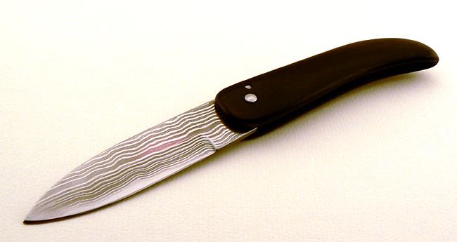 Couteau pliant